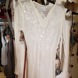 Long offwhite cotton top with sequins and beads